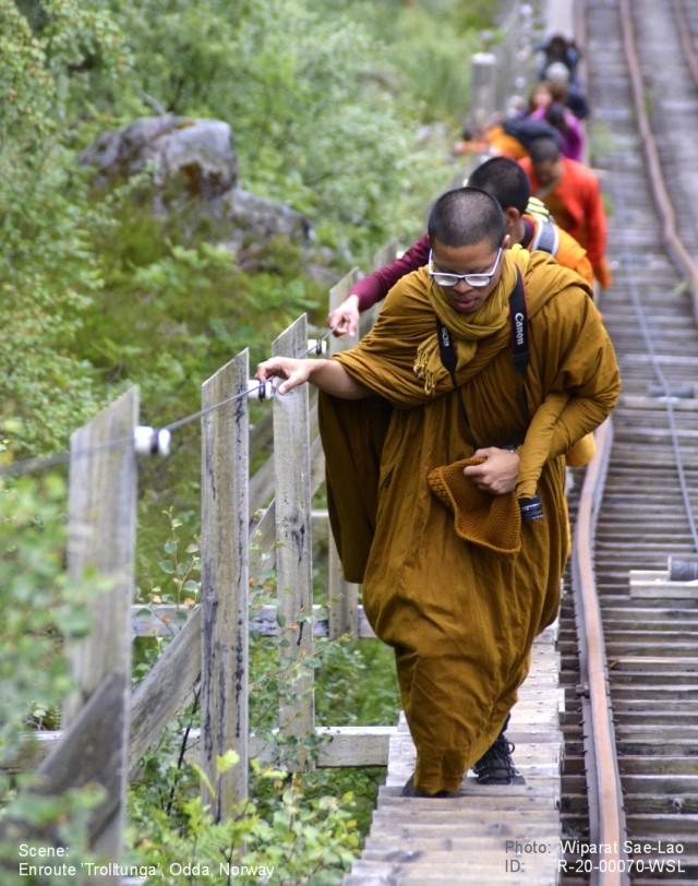 Turen til Trolltunga med munkene 070b