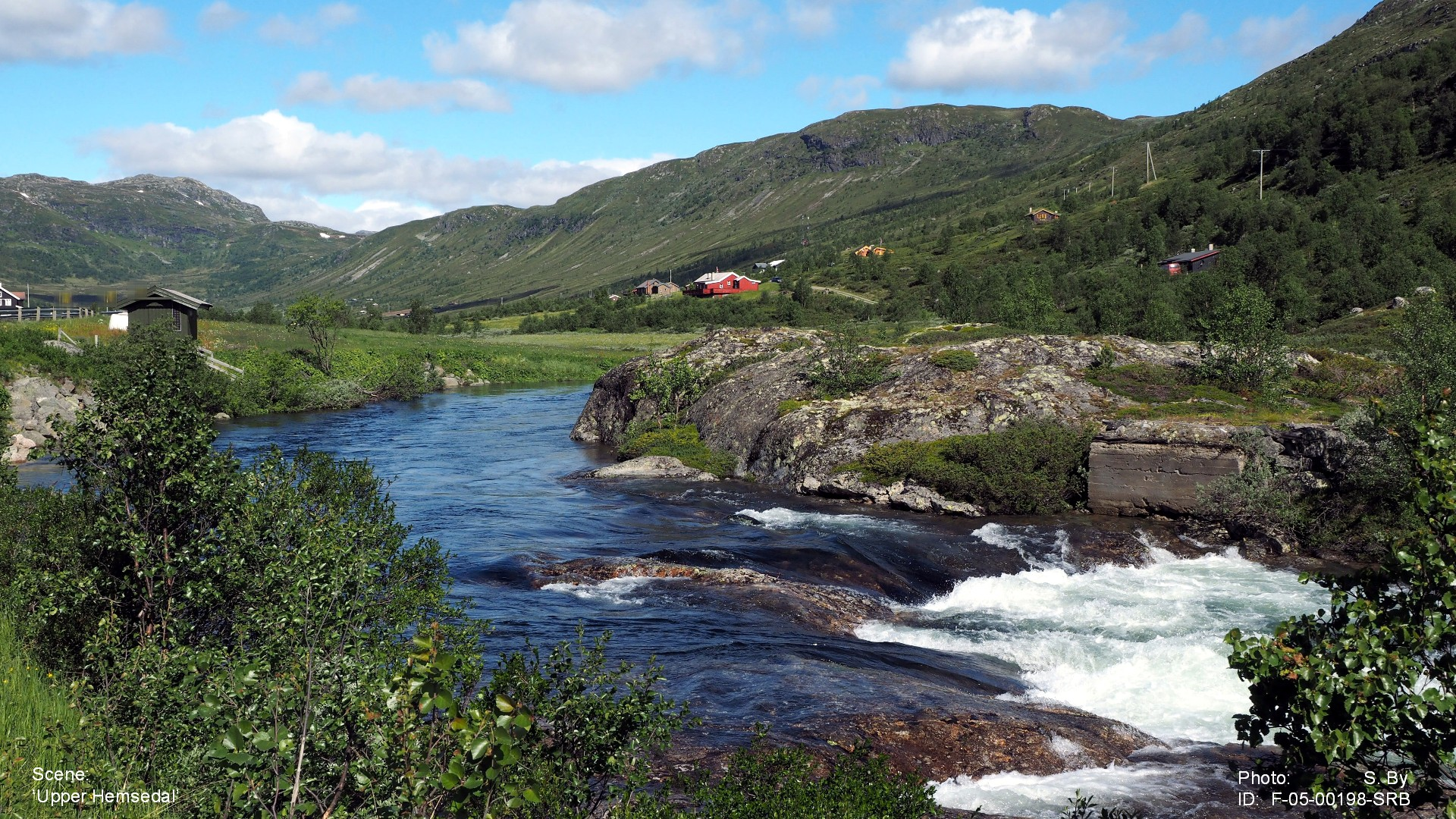 ... Tuv, behind us and climbed up into the upper parts of Hemsedal valley.  The sun is shining from a blue sky and the nature is unforgettable.